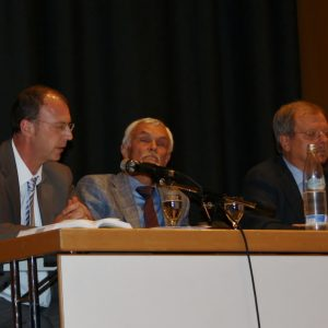 v.l.n.r.: Norbert Vongehr, Dr. Günter Hartleb (Hellmig KH), Friedhelm Lipinski (SPD)