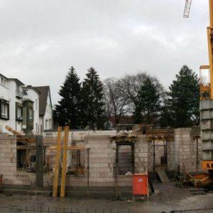 hier entsteht der Neubau Familienbande-Familiennetzwerk e.V. unter der Hochstraße/Bahnhofstraße