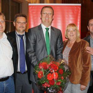 Oliver Kaczmarek mit den Ortsvereinsvorsitzenden Klaus Kasperidus, Michael Krause, Petra Hartig und Heiko Klanke