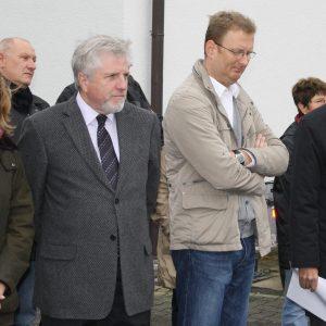 v.l. Marion Dyduch, SPD Fraktion, Jürgen Senne SPD Südkamen, BM Hermann Hupe, Oliver Kaczmarek MdB, Peter Winter DB, Dieter Heidenreich SPD Südkamen