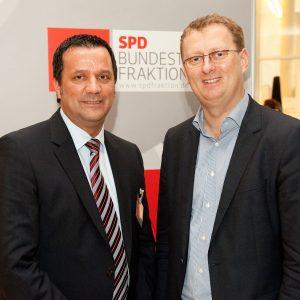 Oliver Kaczmarek MdB und Gerd Bendiks, Betriebsratsvorsitzender ThyssenKrupp VDM aus Unna-Könnigsborn