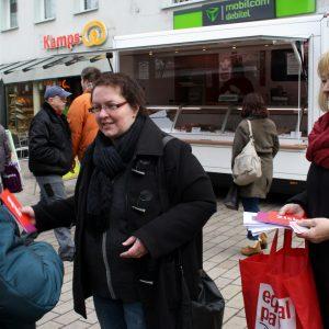 Annette Mann und Petra Hartig im Gespräch am heutigen Equalpayday