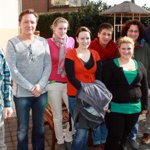 Oliver Kaczmarek und das Mitarbeiterteam der Wohneinrichtung unter der Leitung von Frau Kerstin Schleweis