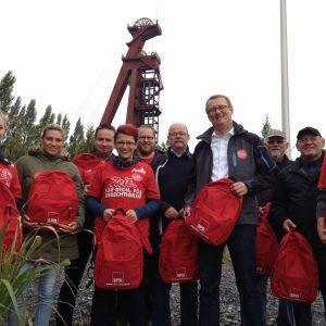 Oliver Kaczmarek  und der rote Rucksack unterwegs